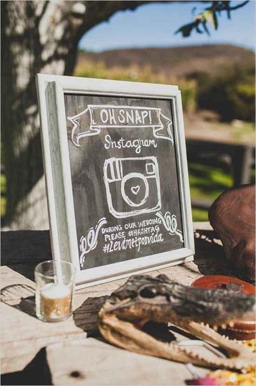 oh-snap-wedding-hashtag-sign